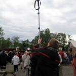 This is how I took the crowd shots, using the timer and thrusting the monopod into the air!
